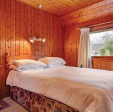 Hengar Lodge bedroom