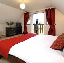 Oak Lodge bedroom