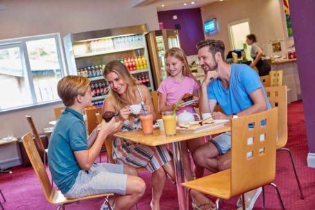 hengar cafe family