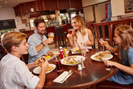 family restaurant hengar
