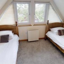 villa singe beds